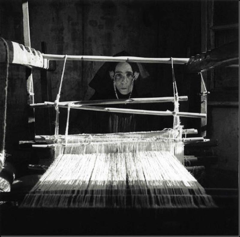 © Ugo Pellis-Museo delle Culture, Lugano, Switzerland. - Il telaio - Villagrande Strisàili, 6 Dicembre 1934