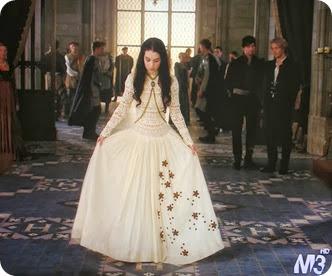 Dolorous Jewelry on Adelaide Kane as Mary stuart on Reign 2