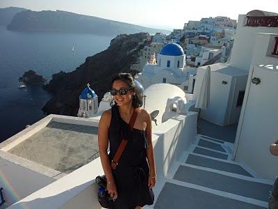 11. Natasha Chow la Santorini.jpg