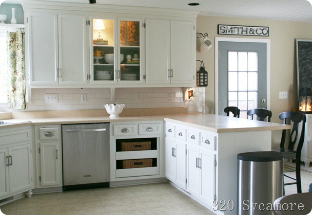 Top White Kitchen Cabinets Wall Color Beige 640 x 442 · 72 kB · jpeg