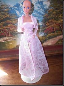 Barbie-calva-bald-and-really-beautiful-princess-2013-muñecas-Barbie-juguetes-Pucca-juegos-infantiles-niñas-cancer-hospital-chicas-maquillar-vestir-peinar-fashion-belleza-princesas-bebes-facebook-13