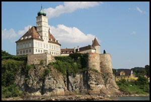 Melk Aggestein Castle_edited-1