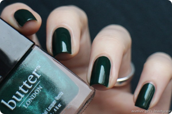 LFB Butter London British Racing Green Tannengruen Swatch (2 von 6)