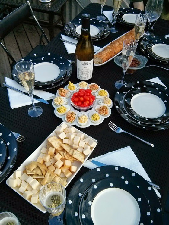 Hearty mixed Hors D'oeuvres with Le Vieux Pin 2012 Ava