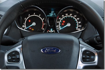 New Fiesta Sedan 2014 (42)