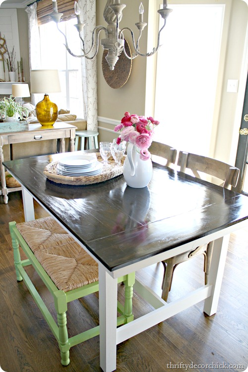 farmhouse table with bench thriftydecorchick.com