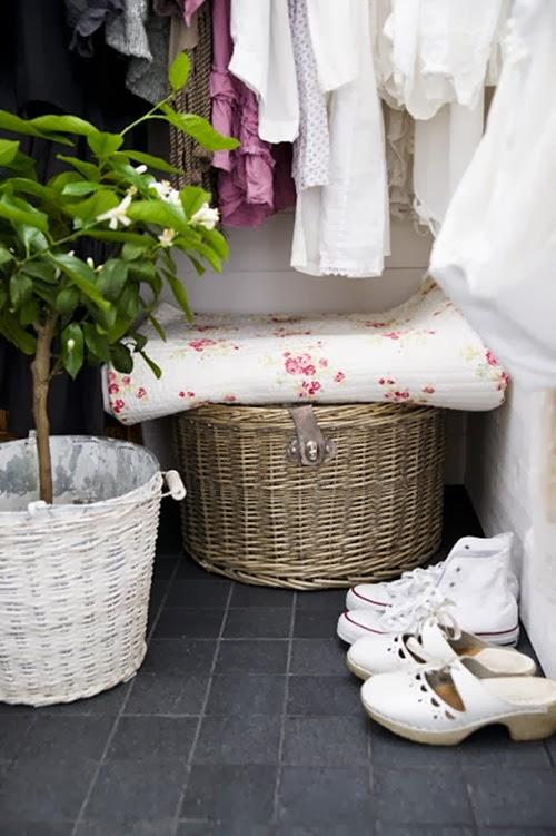 walk in closet 1 blogg