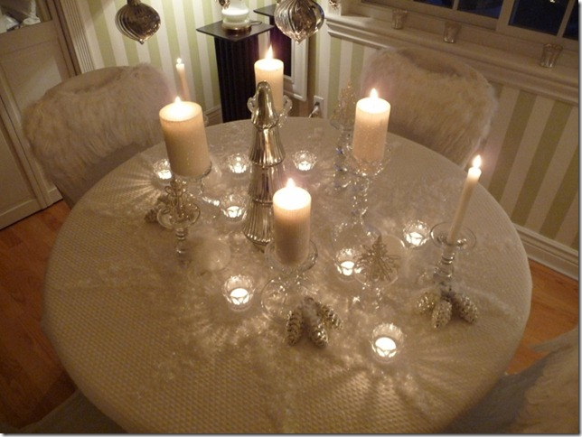 Christmas dining room 2011 angel wings 027 (800x600)