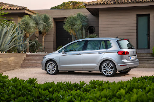VW-Golf-Sportsvan-13.jpg