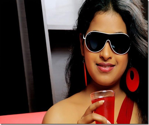 actress sadhika stylish