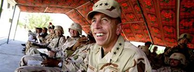 petraeus_laughing