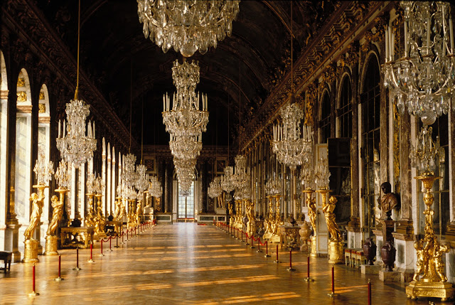 GALLERIE DES GLASSES.JPG