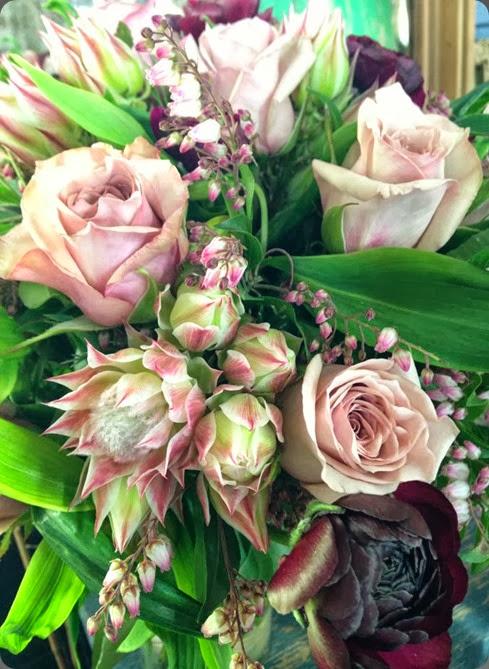 blushing bride 1003209_535268573209748_2041451629_n twig & grace