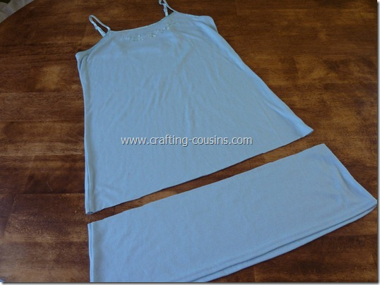 Crafty Cousins' ruffle tank tutorial (3)