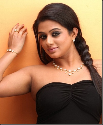 priyamani_latest_hot_still