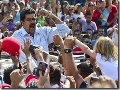 TOPSHOTS-VENEZUELA-ELECTION-MADURO