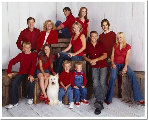 7th Heaven<br />Image #SV03-Cast<br />Pictured (l-r: backrow): Jeremy London as Chandler Hampton, Rachel Blanchard as Roxanne, (l-r: middlerow): Stephen Collins as Eric Camden, Catherine Hicks as Annie Camden, Beverley Mitchell as Lucy Kinkirk, George Stults as Kevin Kinkirk, David Gallagher as SImon Camden, Ashlee Simpson as Cecilia, (l-r: frontrow): Scotty Leavenworth as Peter Petrowski, Mackenzie Rosman as Ruthie Camden,  Lorenzo Brino as David Camden, Nikolas Brino as Sam Camden<br />Photo Credit: © The WB/Kwaku Alston