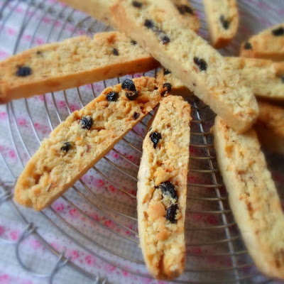 *Blueberry & Hazelnut Biscotti*