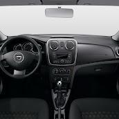 2013-Dacia-Logan-Sandero-Interior-11.jpg