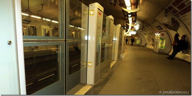 Dans le métro...