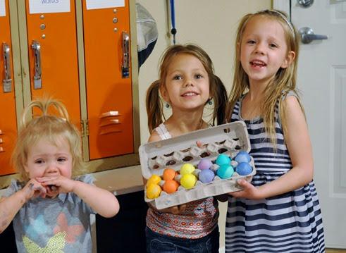 2014-04-19 egg dyeing (119)