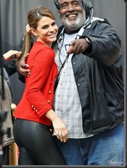 maria-menounos-butt-ass-leather-pants-0208-03-675x900
