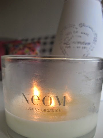Neom-Cocooning-Scented-Candle