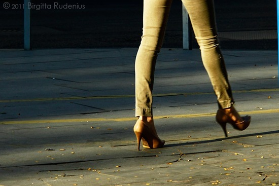 feet_20110930_straight
