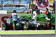 L'incidente di Lewis Hamilton