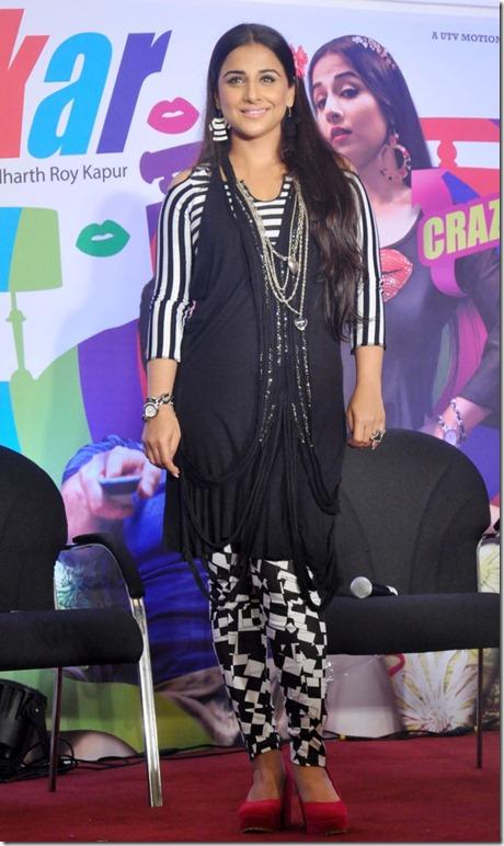 Cute Vidya Balan Photos in Black and White Checkered Dress