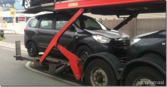 Dacia Lodgy onderweg 01