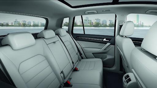 VW-Golf-Sportvan-Concept-10.jpg