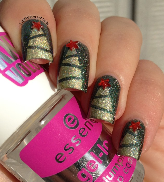 Christmas trees nail art