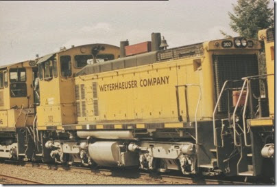 56154116-32 Weyerhaeuser Woods Railroad (WTCX) SW1500 #302 at Headquarters, Washington on May 17, 2005
