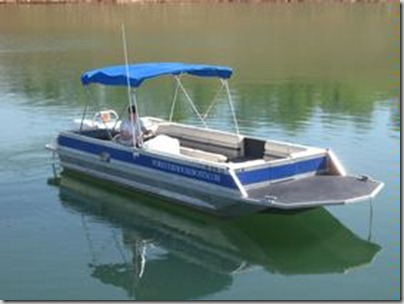 01 26 ft deck boat