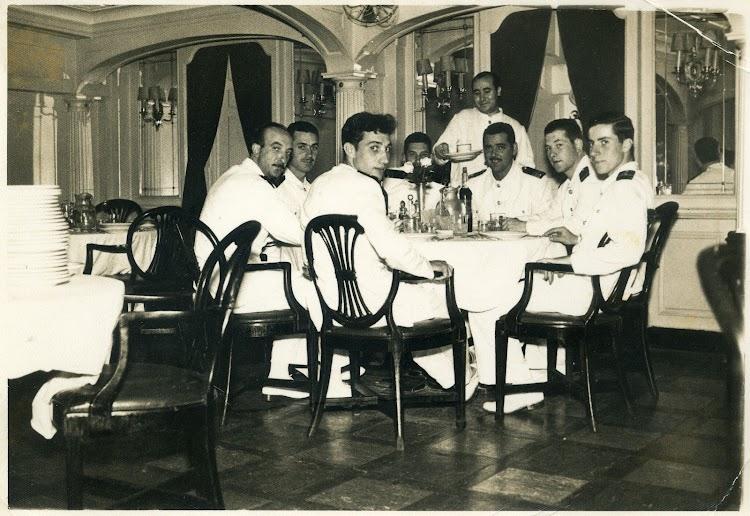 CABO DE BUENA ESPERANZA. 1955. Delante del camarero 2º Oficial Jose Luis Orrizabalaga, mas tarde Capitan del CABO SAN VICENTE. Foto del Sr. Angel Maruri Larrabe.jpg
