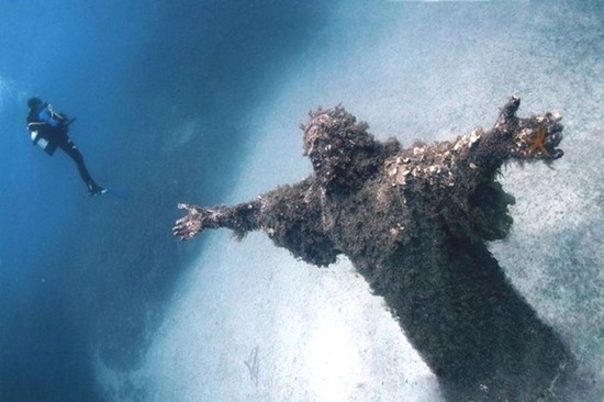 Cristo do Abismo em San Fruttuoso Liguria