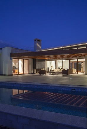 Casa moderna NR2 Roberto Burneo Arquitectos