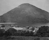 View of Bandaneira and Gunung Api (unknown photographer, 1870-1900) Courtesy TropenMuseum Archives