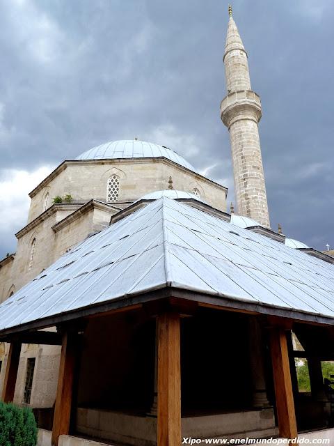 mezquita-karadjoz-bey.JPG