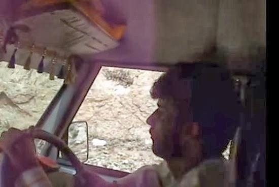 Ônibus no Himalaia 04