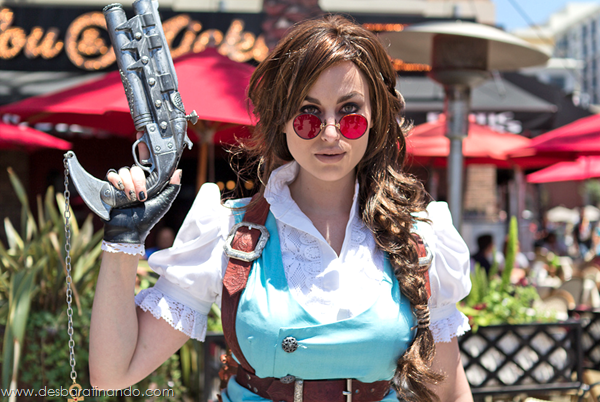 lara-croft-steampunk-cosplay-desbaratinando (1)