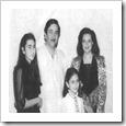 Karishma-and-Kareena-childhood-pic
