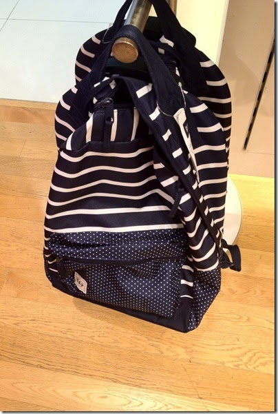 GAP kids navy backpack