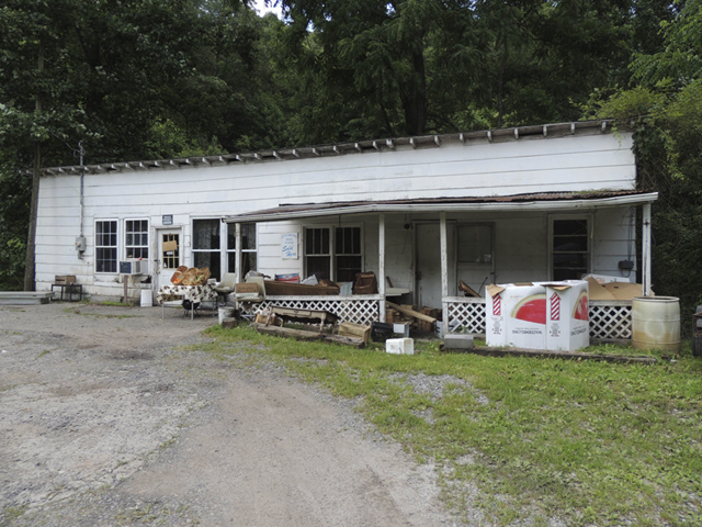 This photo taken on 12 July 2013, shows the Salyers' produce stand in Council, Va. Four out of five U.S. adults struggle with joblessness, near poverty or reliance on welfare for at least parts of their lives, a sign of deteriorating economic security and a vanishing American Dream. Hardship is particularly on the rise among whites, based on several measures. Pessimism among that racial group about their families' economic futures has climbed to the highest point since at least 1987. In the most recent AP-GfK poll, 63 percent of whites called the economy 'poor'. Photo: Debra McCown / AP