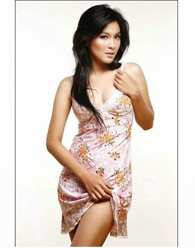Foto Hot Sandra Dewi Mau Bugil