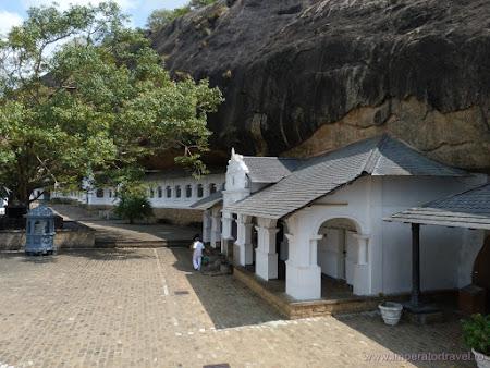 2. templu Dambulla.JPG