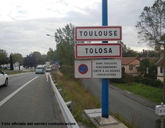 Tolosa panèu en occitan tornat