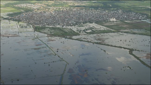 Aerial view of flooding in and around Jowhar town, on 12 November 2013, following a rare severe cyclonic storm in Somalia. Photo: African Union information services