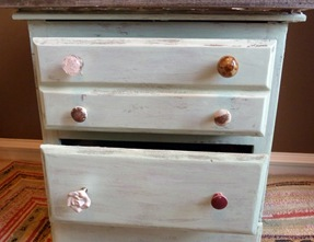 dresser3